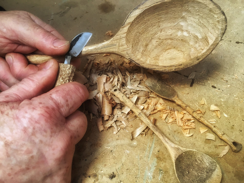 spoon whittling with Simon Clements